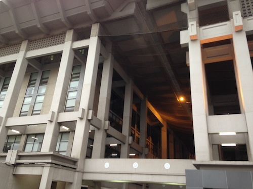2013 02 28 17.50.38 神韻藝術團在高雄市立文化中心的第一場演出 期待已久的2013演出